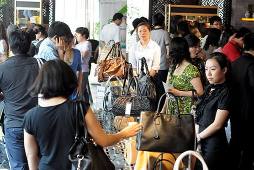 郑州:人才招聘会在人力资源中心市场举行